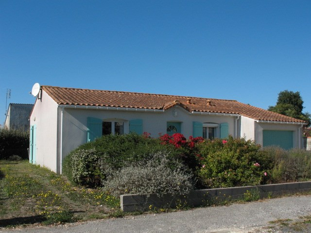 Sale house / villa Etaules 181000€ - Picture 1