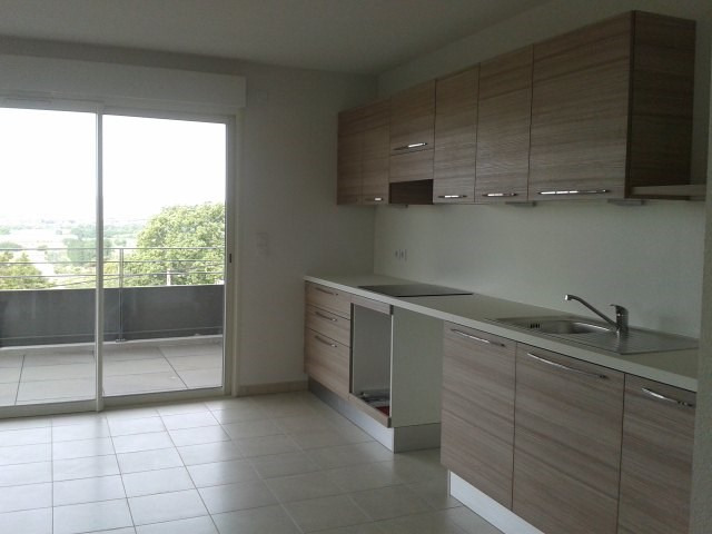 Rental apartment Fréjus 990€ CC - Picture 3