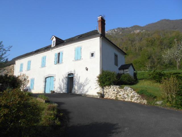 Sale house / villa Laruns 268000€ - Picture 1