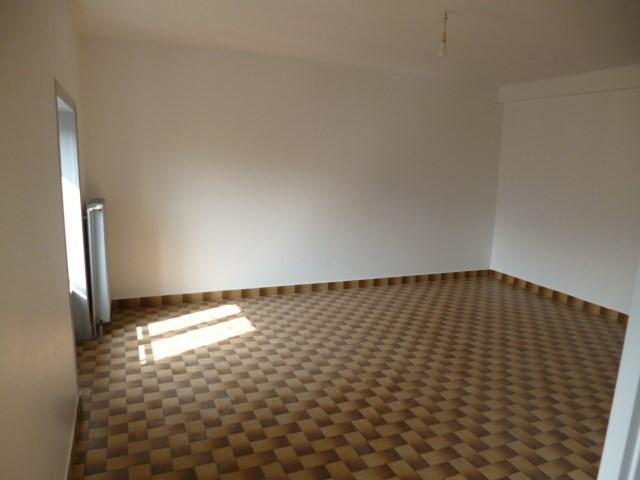 Location appartement Tarare 400€ CC - Photo 2