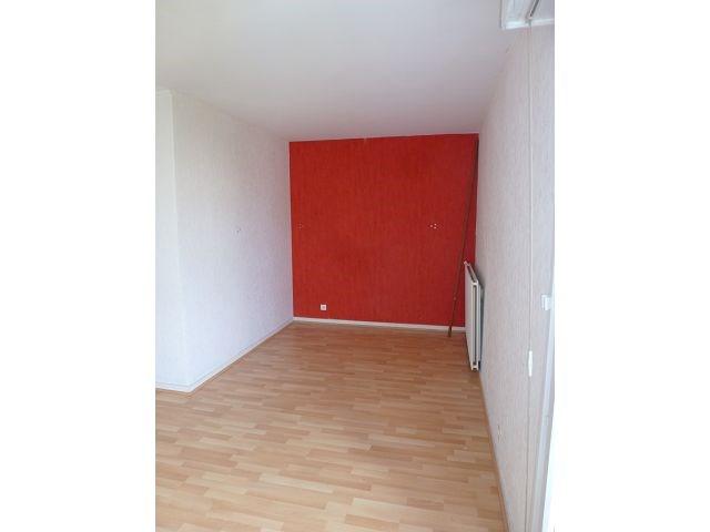 Rental apartment Maurepas 633€ CC - Picture 3