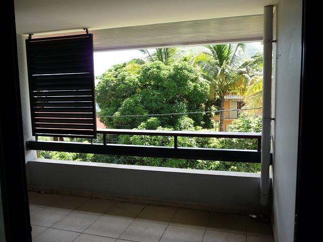 Location appartement La possession 752€ CC - Photo 2