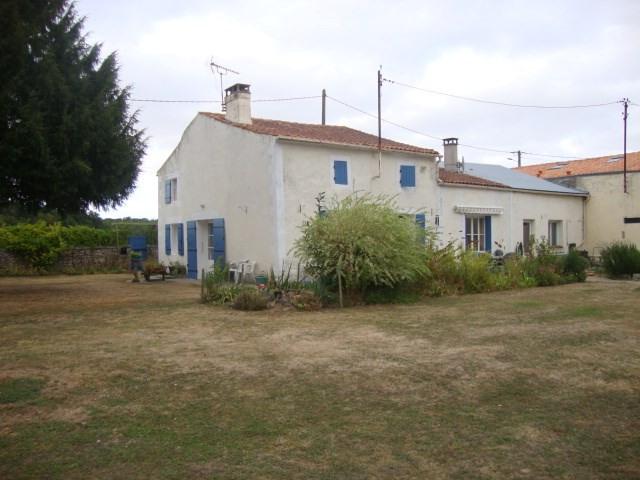 Sale house / villa Tonnay-boutonne 174900€ - Picture 1