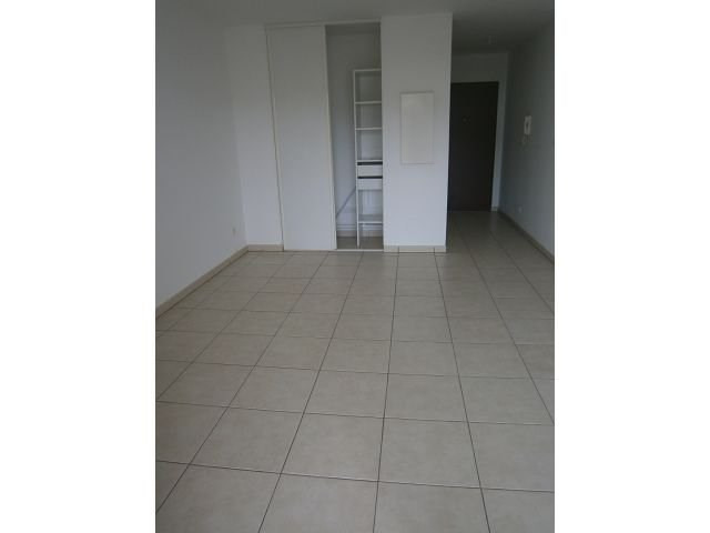Location appartement St denis 388€ CC - Photo 3