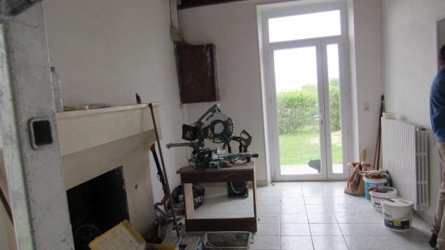 Sale house / villa Villeneuve-la-comtesse 104400€ - Picture 5