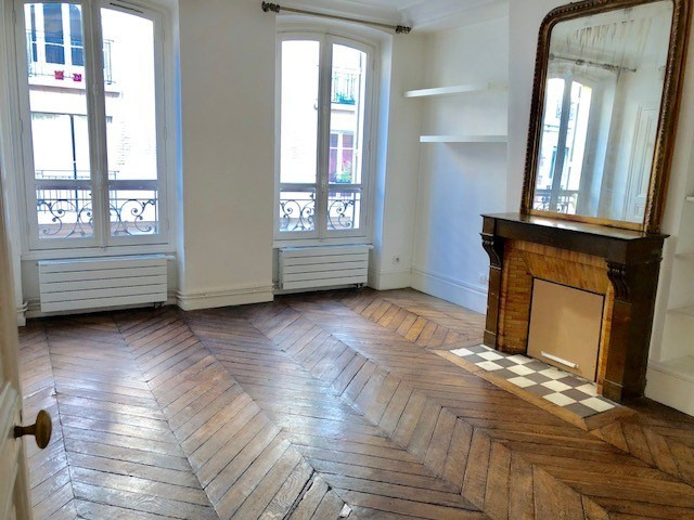 Rental apartment Paris 18ème 2017€ CC - Picture 2