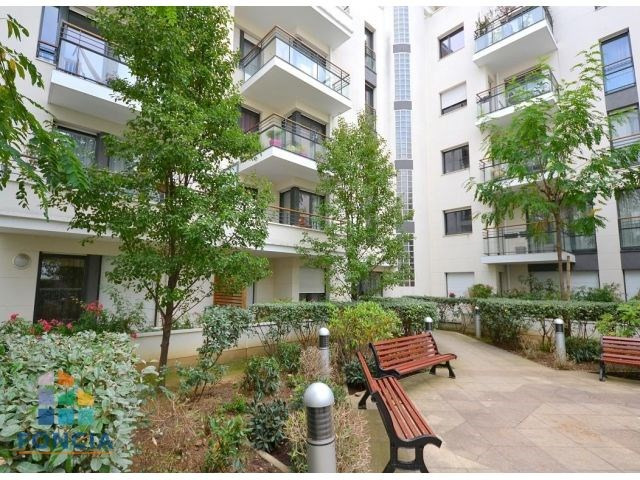 Rental apartment Suresnes 2 047€ CC - Picture 12