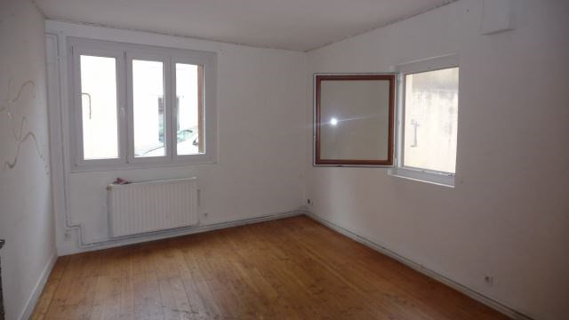 Vente maison / villa Sury-le-comtal 85000€ - Photo 1