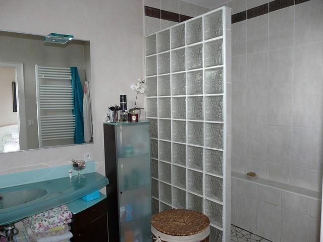 Revenda casa Saint-genest-lerpt 420000€ - Fotografia 6