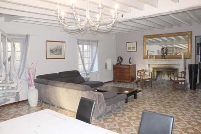 Vente maison / villa Jonage 525 000€ - Photo 3