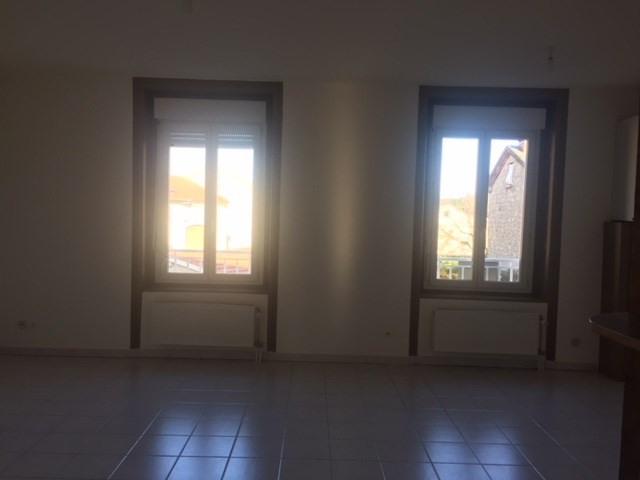 Locação apartamento Saint-just-malmont 676€ CC - Fotografia 5