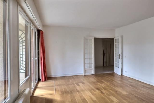 Sale apartment Versailles 650000€ - Picture 3