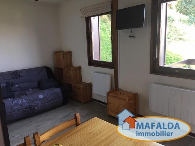 Rental apartment Mont saxonnex 420€ CC - Picture 1