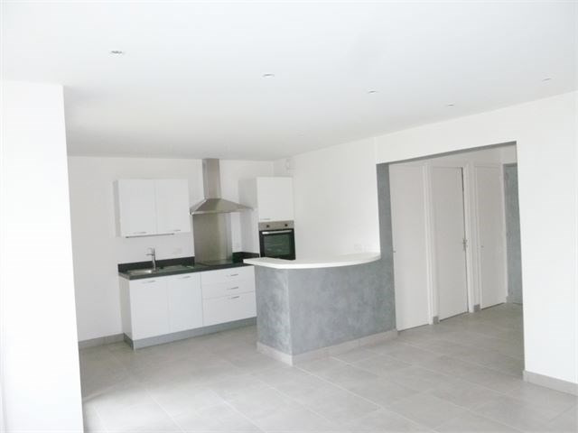 Rental apartment Annecy 825€ CC - Picture 2