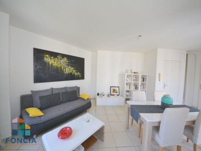 Sale apartment Suresnes 360000€ - Picture 2