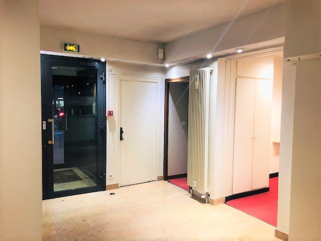 Location local commercial Rouen 1 250€ HC - Photo 6