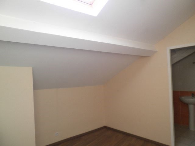 Rental apartment La verpilliere 538€ CC - Picture 4