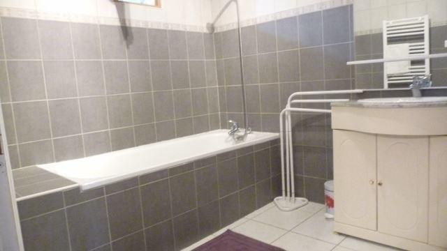 Sale house / villa Sury-le-comtal 125000€ - Picture 7