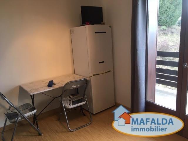 Rental apartment Mont saxonnex 370€ CC - Picture 2