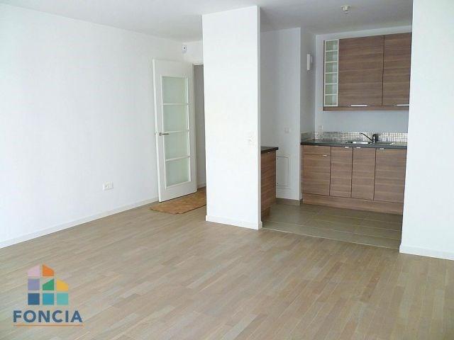 Location appartement Suresnes 1315€ CC - Photo 2