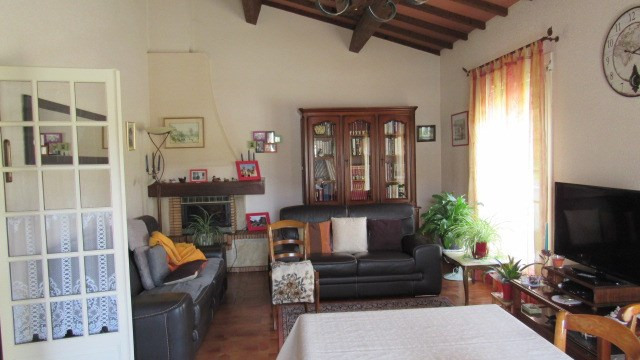 Vente maison / villa St jean d'angely 190 800€ - Photo 4