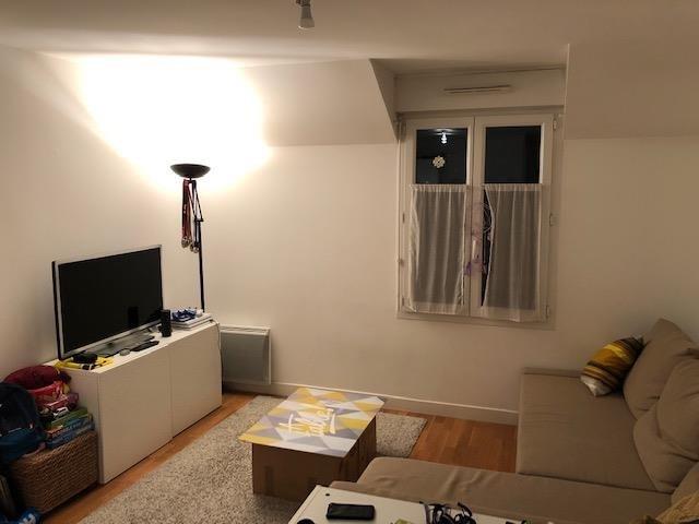 Location appartement Bievres 800€ CC - Photo 3