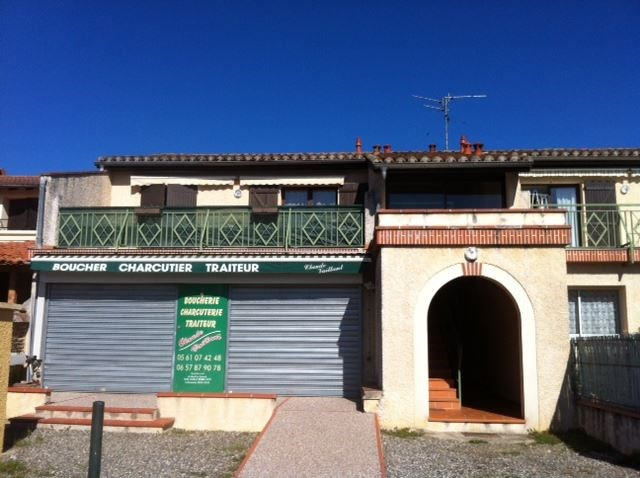 Location local commercial Leguevin 900€ CC - Photo 1