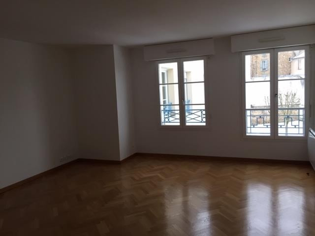 Rental apartment Versailles 2 046€ CC - Picture 2