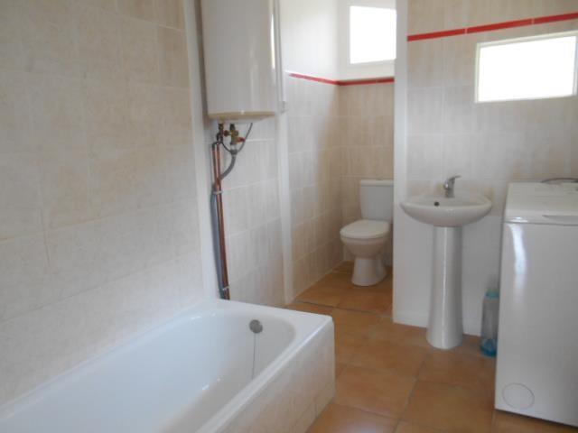 Sale house / villa Esquiule 74000€ - Picture 2