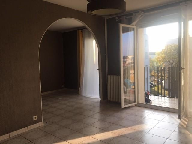 Sale apartment Vaulx-en-velin 134 000€ - Picture 3