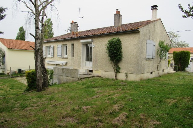 Sale house / villa Bords 171720€ - Picture 3