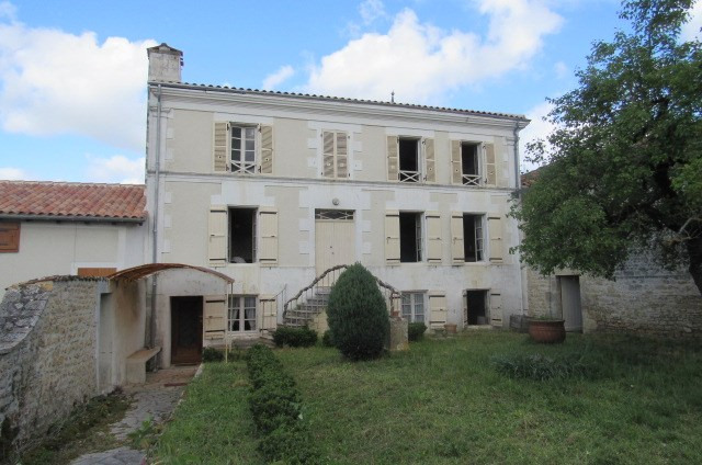 Sale house / villa Archingeay 143 250€ - Picture 1