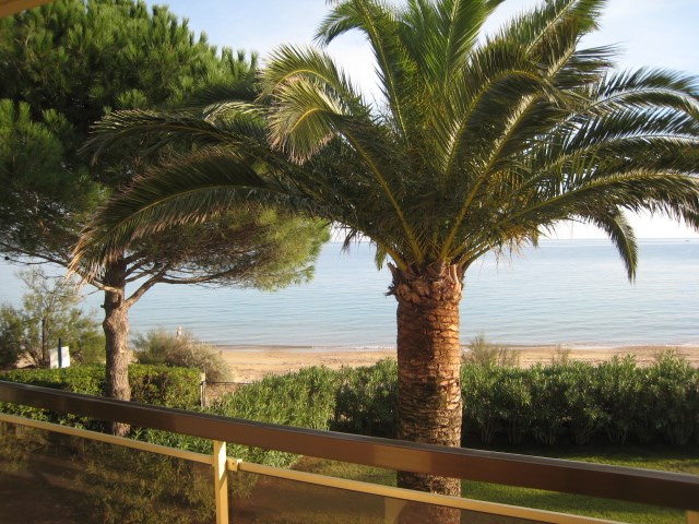 Vacation rental house / villa Cavalaire 2 800€ - Picture 3