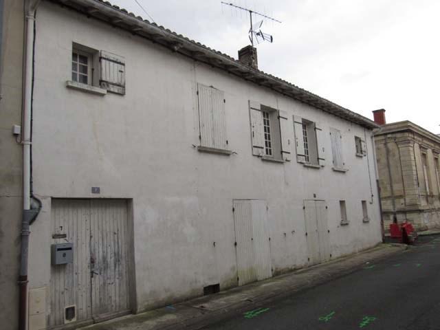 Sale house / villa Saint jean d'angely 96000€ - Picture 1