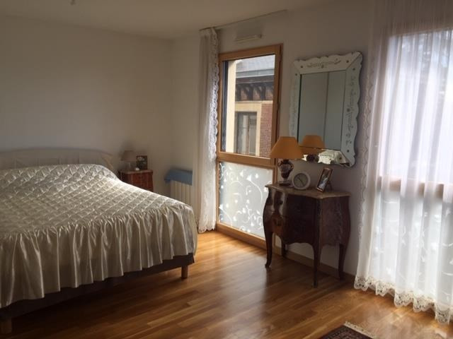 Sale apartment Ecully 425 000€ - Picture 3