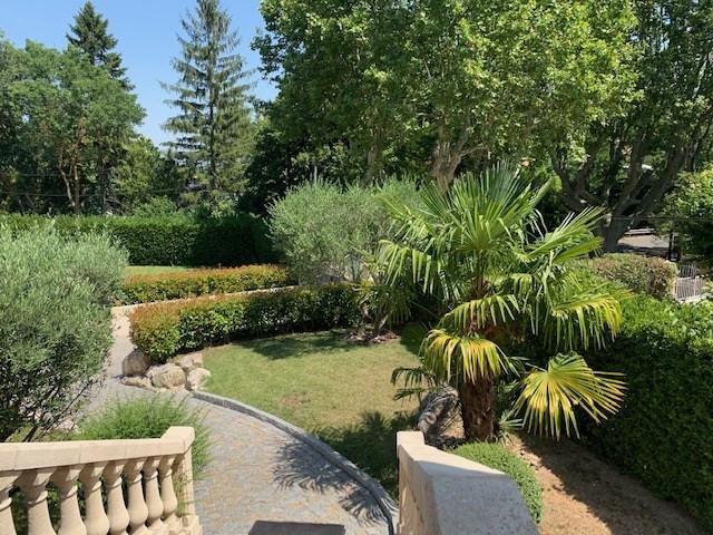 Deluxe sale house / villa Cabries 685000€ - Picture 1