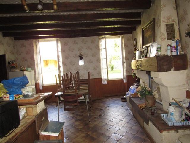 Vente maison / villa Saint jean d'angély 75000€ - Photo 5