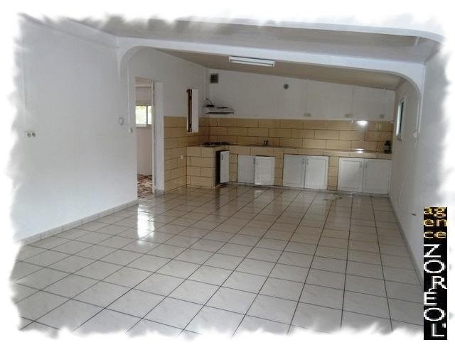 Location maison / villa Petite ile 875€ CC - Photo 3