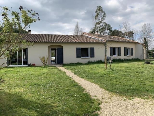 Vente maison / villa Bignoux 305000€ - Photo 1