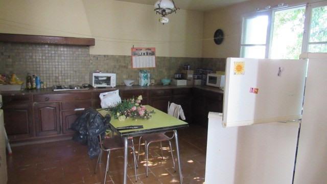 Sale house / villa Saint jean d angely 80250€ - Picture 4