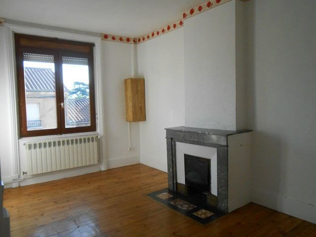 Location appartement Sury-le-comtal 350€ CC - Photo 2