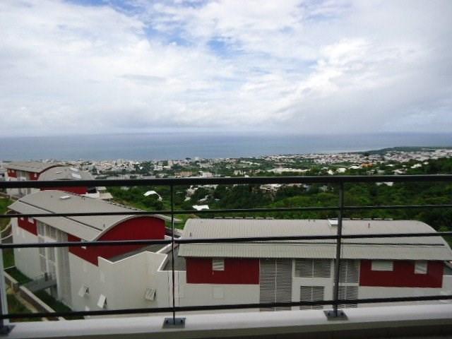 Location appartement St denis 620€ CC - Photo 1