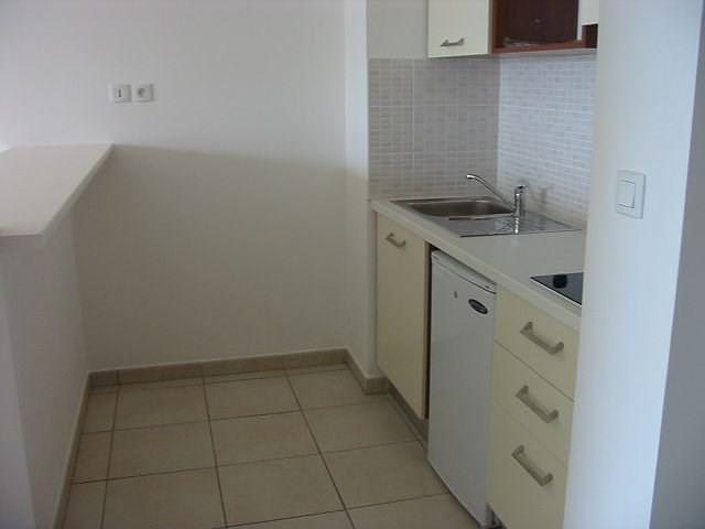 Location appartement Ste clotilde 606€ CC - Photo 3