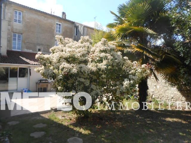 Sale house / villa Lucon 270 400€ - Picture 1