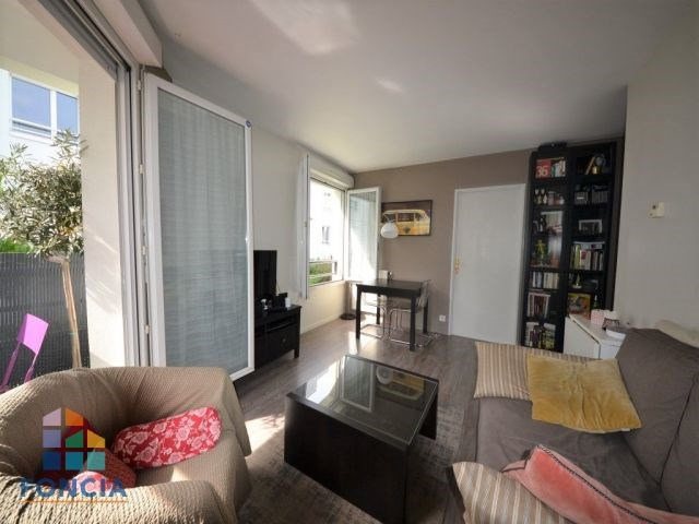 Sale apartment Suresnes 335 000€ - Picture 2
