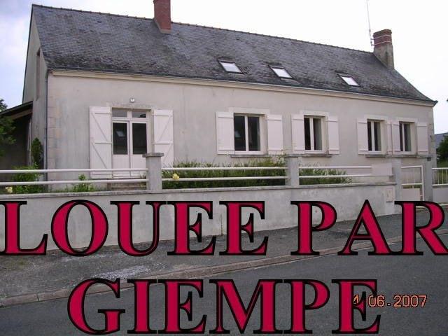 Rental house / villa Chaumont-d'anjou 723€ CC - Picture 1