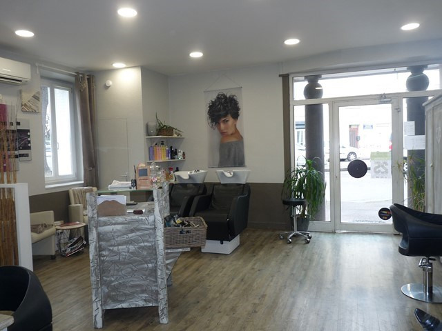 Vente fonds de commerce boutique Montrond-les-bains 40 000€ - Photo 1