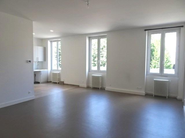 Location appartement Villefranche sur saone 898€ CC - Photo 2
