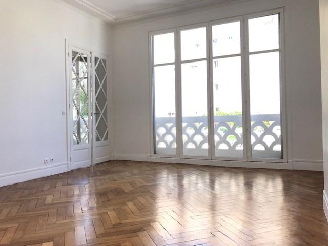 Rental apartment Paris 16ème 3990€ CC - Picture 1