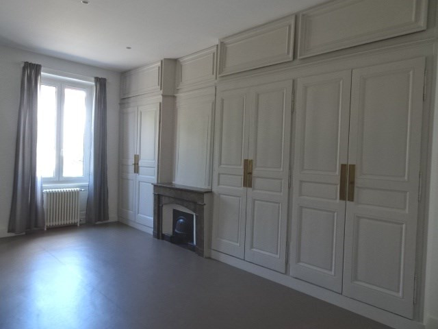 Location appartement Villefranche sur saone 898€ CC - Photo 4